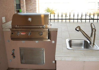14-Foot-L-Shaped-Outdoor-Kitchen-With-Sink