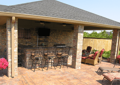 18X25-PATIO-COVER-BRICK-ACCENTS-WITH-16-FT-KITCHENBAR-2