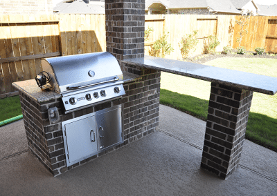 6-Foot-Outdoor-Kitchen-With-Free-Standing-Bar-2