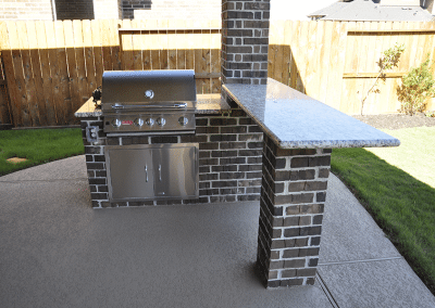 6-Foot-Outdoor-Kitchen-With-Free-Standing-Bar-3